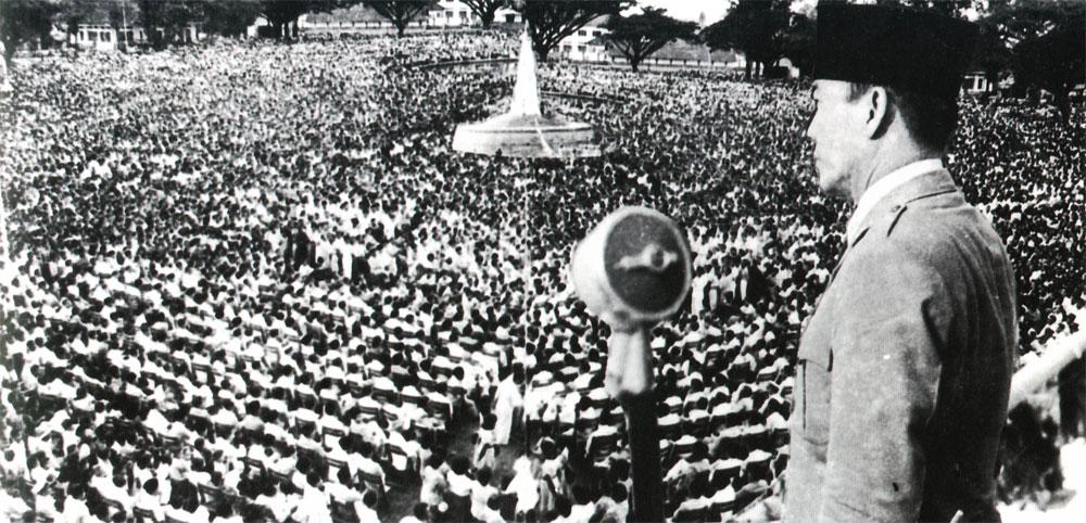 Soekarno Di Tugu A Sejarah Indonesia
