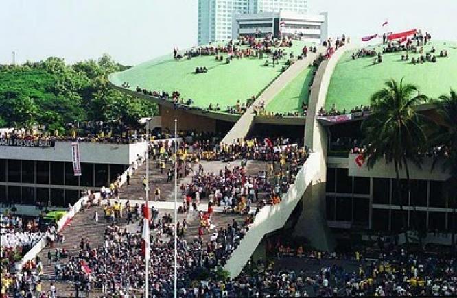 mei-1998